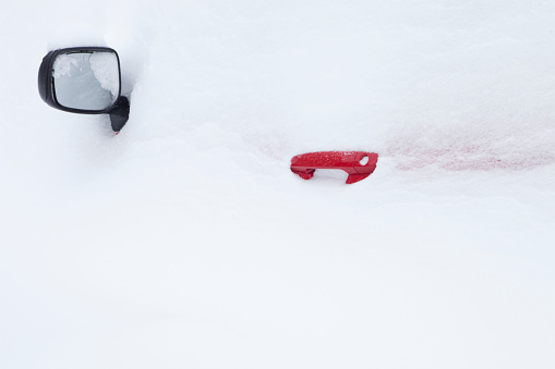 Snowdrift「Side Mirror and Red Door Handle of a Car Lost in the Snow」:スマホ壁紙(7)