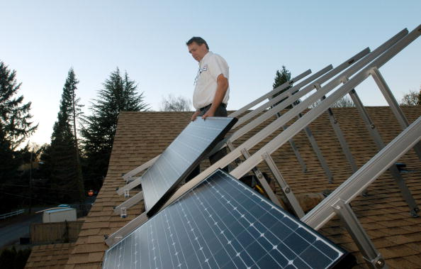 Solar Panel「Western States Look To Alternative Energy Sources」:写真・画像(4)[壁紙.com]