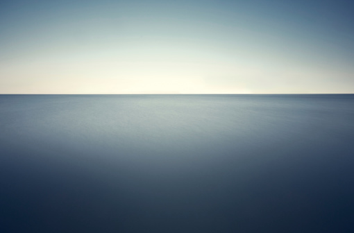 Vibrant Color「深い青い海」:スマホ壁紙(19)