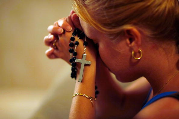 Religion「Vision Of Holy Family Brings People To Florida Church」:写真・画像(18)[壁紙.com]