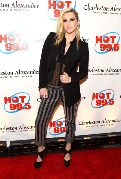 Concepts & Topics「Hot 99.5's Jingle Ball 2012 Presented By Charleston Alexander Diamond Importers - PRESS ROOM」:写真・画像(6)[壁紙.com]