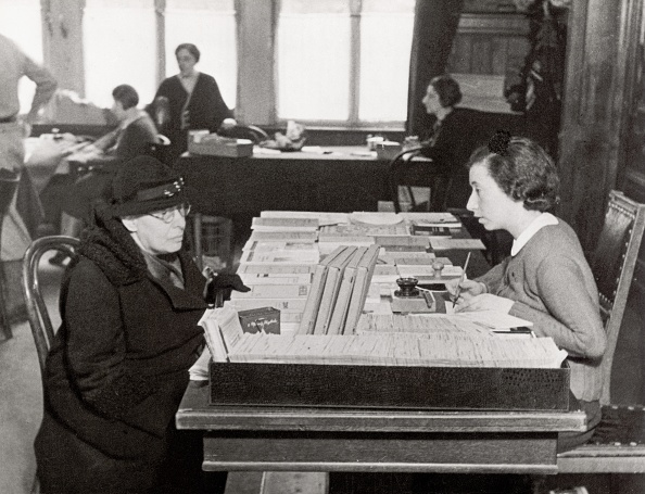Dresser「Bureau for Jewish emigrants in Berlin」:写真・画像(13)[壁紙.com]