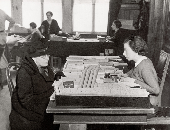 Dresser「Bureau for Jewish emigrants in Berlin...」:写真・画像(1)[壁紙.com]
