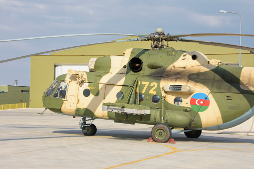 ミリタリー「Azerbaijan Air Force Mi-17 helicopter during Exercise Isik 2016, Konya, Turkey.」:スマホ壁紙(12)