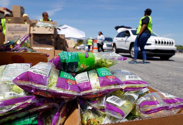 Salad「Atlanta Motor Speedway Hosts Food Distribution Event For Those In Need」:写真・画像(16)[壁紙.com]