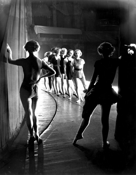 Waiting「Panto Rehearsals」:写真・画像(18)[壁紙.com]