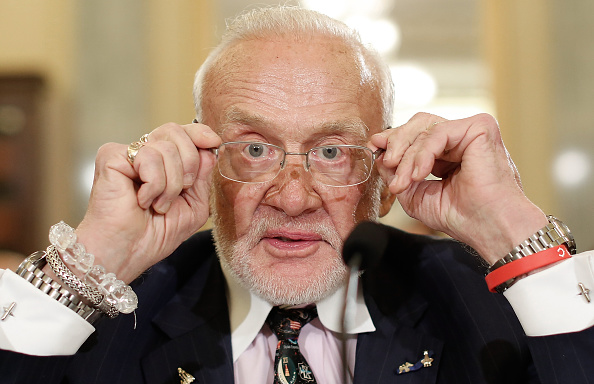 Buzz Aldrin「Former Astronauts Testify To Senate Committe On Space Exploration Goals」:写真・画像(9)[壁紙.com]