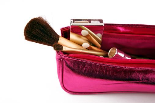 アケビ「化粧品のハンドバッグ」:スマホ壁紙(7)