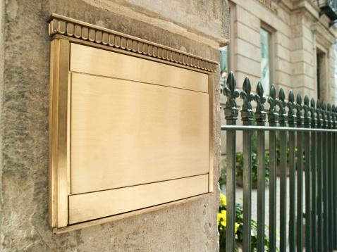 Metallic「Blank plaque on an important building」:スマホ壁紙(15)