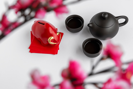 Red Bull「Chinese Lunar New Year Concept with Red Bull, Red Packet, Red Angpow Packet and Tea Pot. White Background.」:スマホ壁紙(12)
