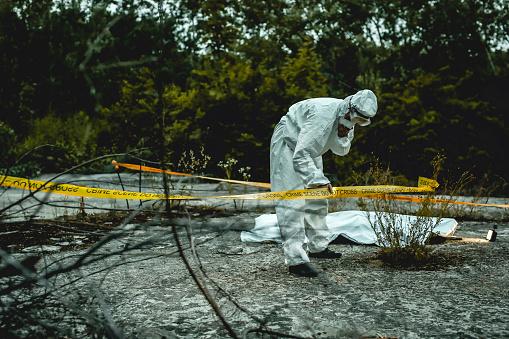 雪「crime scene investigation, forensic examines the corpse」:スマホ壁紙(18)