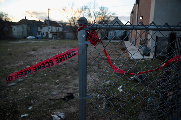 Murder「Eleven Killed And Fifty Wounded In Shootings Over Holiday Weekend In Chicago」:写真・画像(9)[壁紙.com]