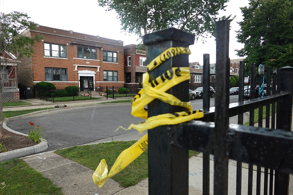 Crime「At Least 14 Wounded In Shooting Outside Chicago Funeral Home」:写真・画像(12)[壁紙.com]
