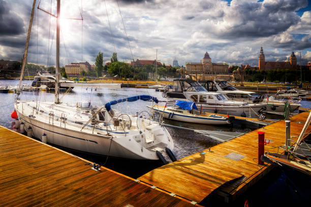 Home city marina with sea yachts and view of the Szczecin old town, Poland:スマホ壁紙(壁紙.com)