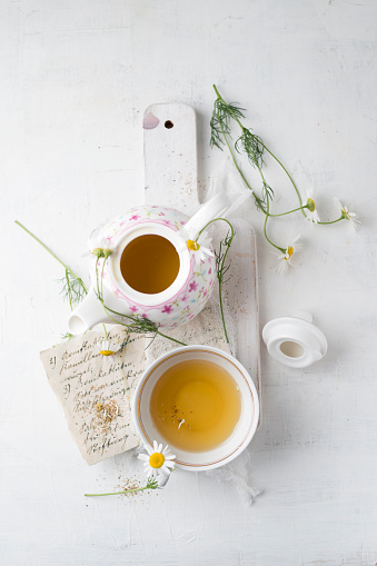 Chamomile「Chamomile tea in pot and cup」:スマホ壁紙(10)