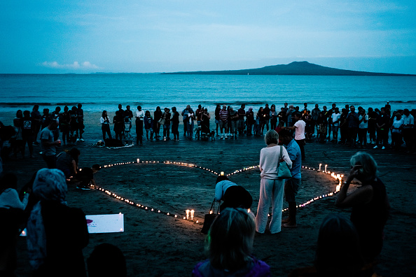 Memorial Vigil「New Zealand Remembers Victims Of Christchurch Mosque Terror Attacks」:写真・画像(14)[壁紙.com]