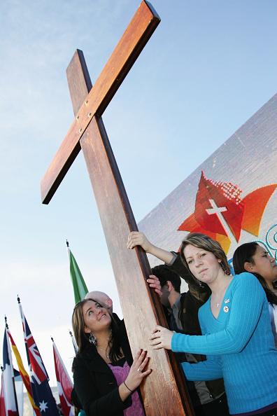 Cross Shape「World Youth Day Cross Arrives In Sydney」:写真・画像(9)[壁紙.com]