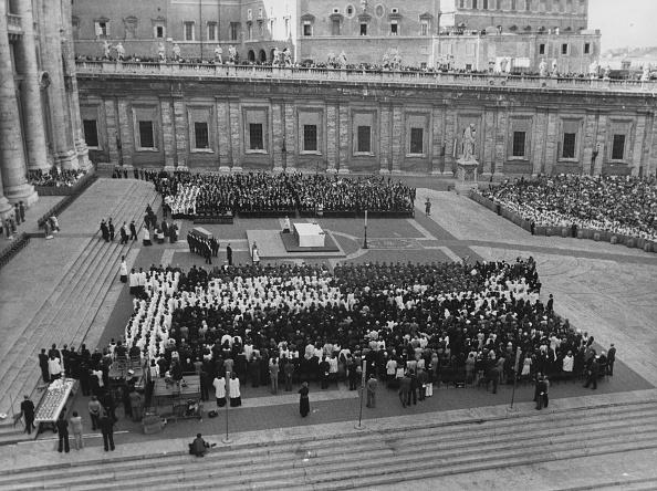 Architectural Feature「Pope Paul VI」:写真・画像(14)[壁紙.com]