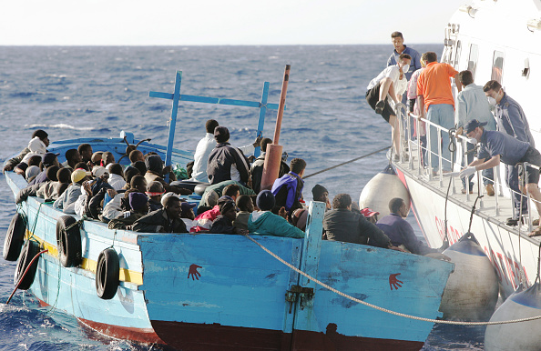 Marco Di Lauro「Illegal Immigrants Try To Enter Europe」:写真・画像(6)[壁紙.com]