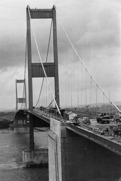 Douglas Miller「Severn Bridge」:写真・画像(3)[壁紙.com]