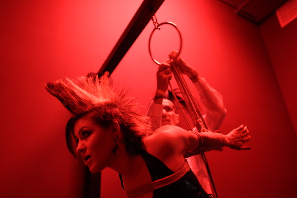 Tied Up「Mistresses And Fetishists Gather At Annual DomCon Convention」:写真・画像(7)[壁紙.com]