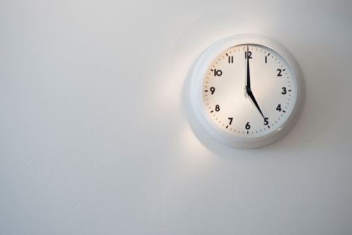 Gray Background「Clock」:スマホ壁紙(9)