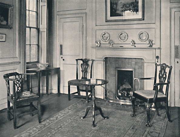 Rug「Chippendale Furniture In An Early Georgian House At Hampstead」:写真・画像(14)[壁紙.com]
