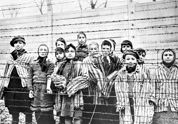 Concentration Camp「Child Survivors Of Auschwitz」:写真・画像(0)[壁紙.com]