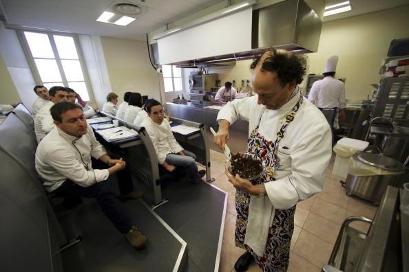 Chocolate Sauce「Italian Chefs Hold Master Classes In Local Cuisine」:写真・画像(5)[壁紙.com]