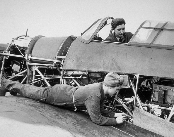 Women's Forces「Flight Mechanics」:写真・画像(0)[壁紙.com]