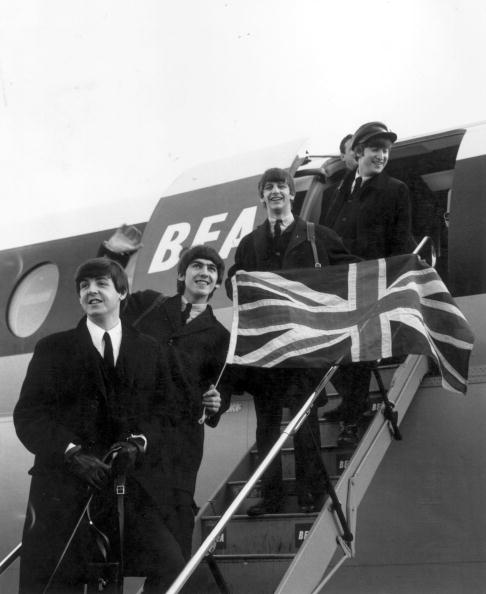 Heathrow Airport「Beatles And Flag」:写真・画像(17)[壁紙.com]