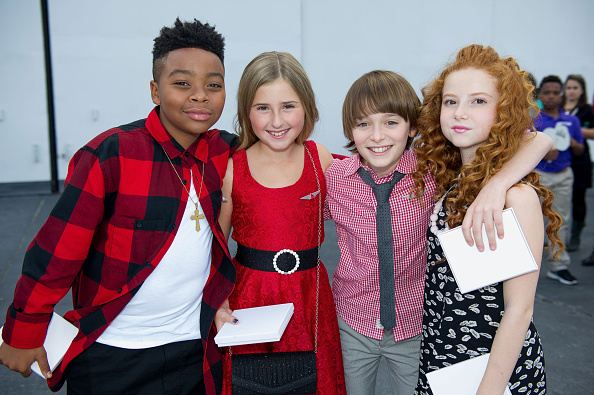 Noah Schnapp「20th Century Fox And Delta Airlines Celebrate 'Snoopy' And Co. Receiving His Pilot's 'Wings'」:写真・画像(14)[壁紙.com]