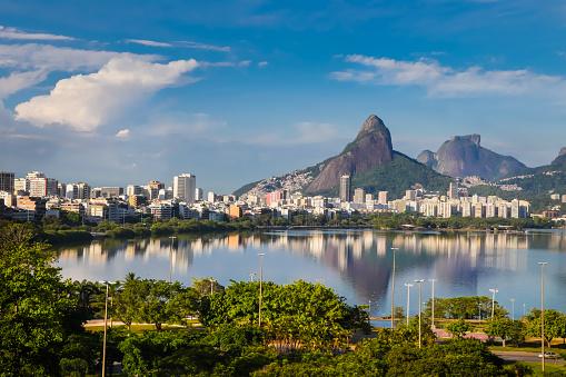Brazil「Rodrigo de Freitas Lagoon and Gavea Rock, Rio de Janeiro, Brazil」:スマホ壁紙(1)