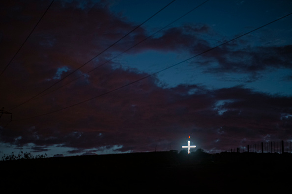 Cross Shape「Illuminated Cross Outside Durbanville」:写真・画像(7)[壁紙.com]