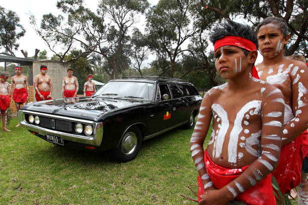 Lisa Lake「Australias Oldest Human Remains Journey Home To Be Buried On Country With Ancestors」:写真・画像(2)[壁紙.com]