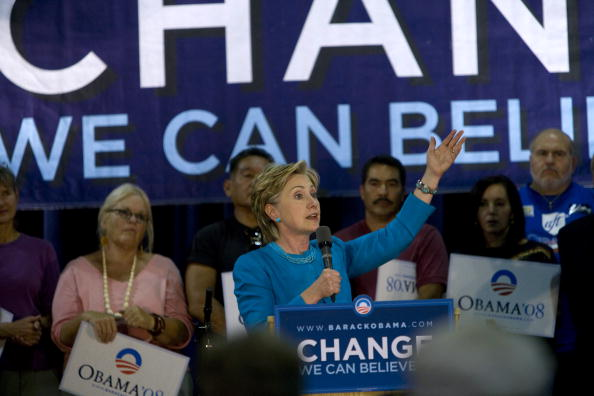 Rick Scibelli「Hillary Clinton Campaigns For Barack Obama In New Mexico」:写真・画像(12)[壁紙.com]