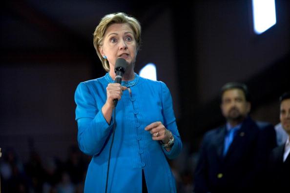 Rick Scibelli「Hillary Clinton Campaigns For Barack Obama In New Mexico」:写真・画像(3)[壁紙.com]