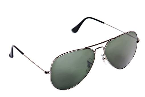 Arm「Isolated black aviator sunglasses」:スマホ壁紙(19)