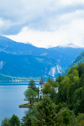 Dachstein Mountains「Lake town of Grundlsee in the Austrian Alps.」:スマホ壁紙(6)