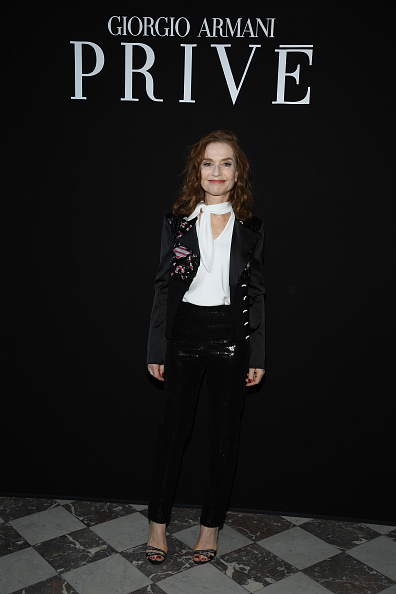 Isabelle Huppert「Giorgio Armani Prive : Front Row - Paris Fashion Week - Haute Couture Fall Winter 2018/2019」:写真・画像(18)[壁紙.com]