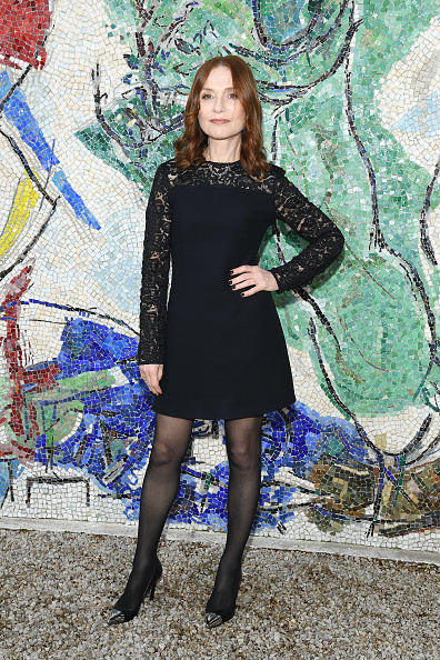 Isabelle Huppert「Louis Vuitton 2019 Cruise Collection : Photocall」:写真・画像(3)[壁紙.com]