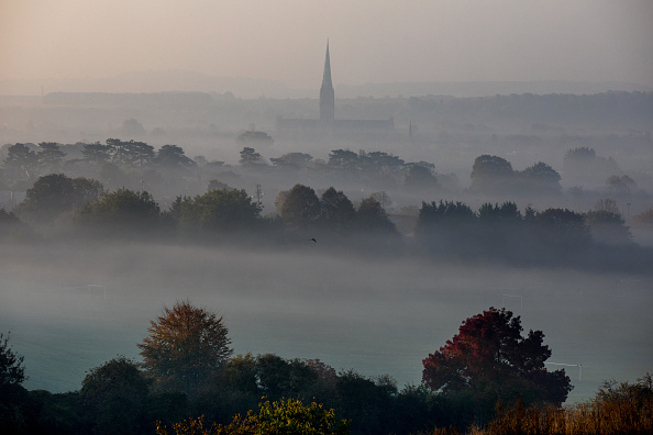 Salisbury Cathedral「October Temperatures Remain Unseasonably High」:写真・画像(4)[壁紙.com]