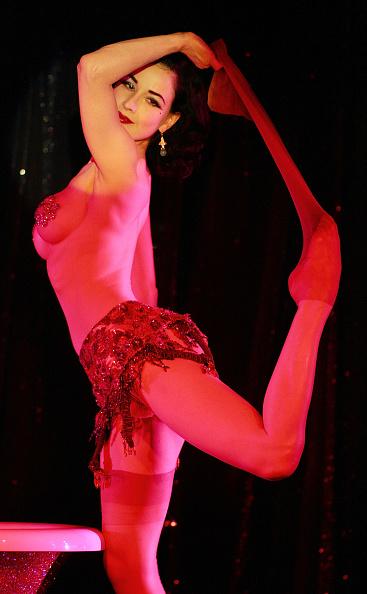 Hosiery「Dita Von Teese At MGM's Crazy Horse Paris」:写真・画像(7)[壁紙.com]