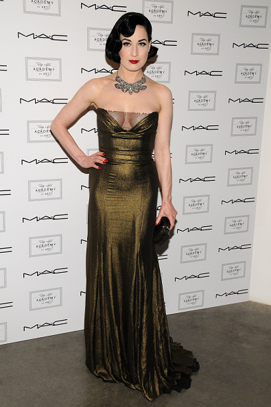 Finger Waves「New York Academy Of Art Celebrates 25 Years With Take Home A Nude」:写真・画像(2)[壁紙.com]