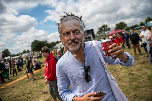 Mask - Disguise「The Labour Party Holds A Festival Of Arts, Politics and Music」:写真・画像(7)[壁紙.com]