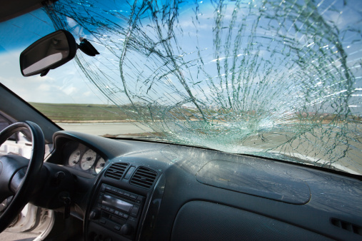 Broken「Inside of car with the broken windshield. Road accident」:スマホ壁紙(0)