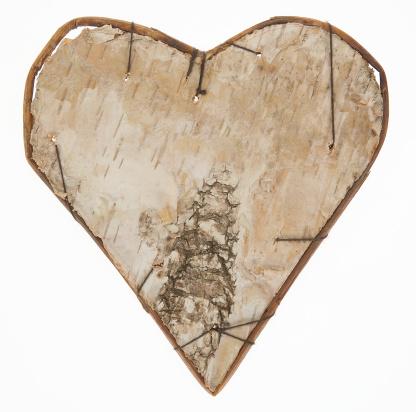 Birch Tree「Wooden heart shape」:スマホ壁紙(19)