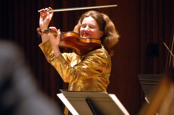 Violin「Rachel Podger」:写真・画像(2)[壁紙.com]