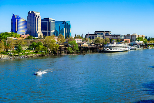 Riverbank「Sacramento River, riverfront and downtown skyline」:スマホ壁紙(12)