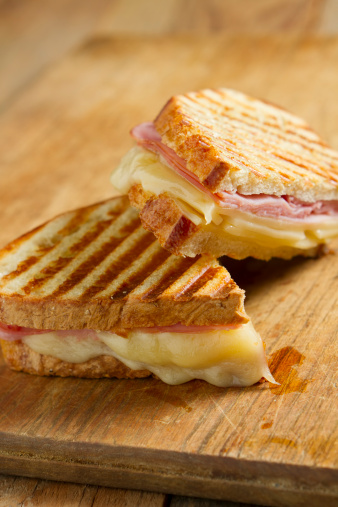 Cheese Sandwich「Grilled ham and cheese panini sandwich on wood table」:スマホ壁紙(17)
